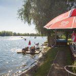 Am Fetzersee kann man auch Wasserski fahren