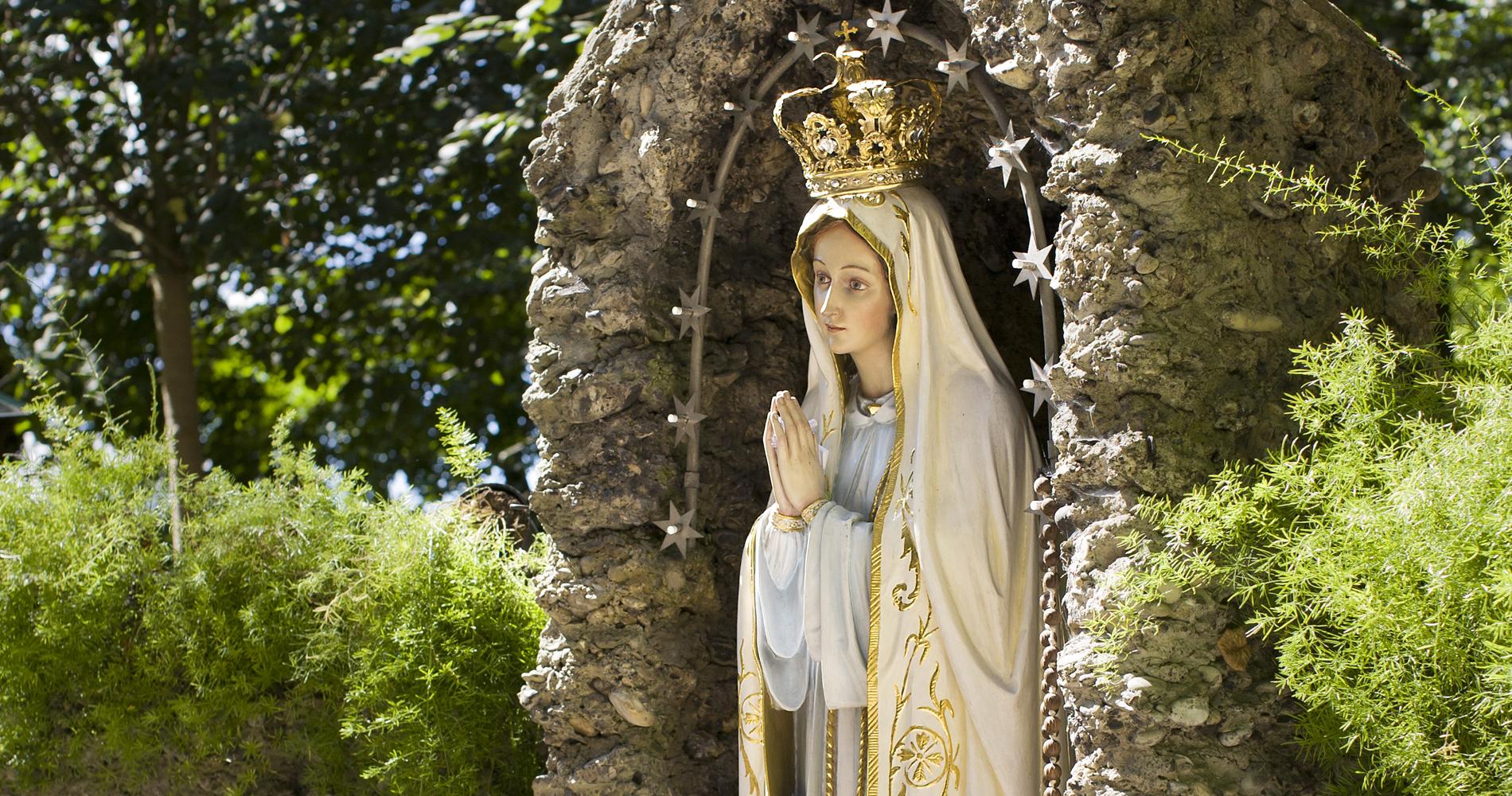 Maria Vesperbild ist ein berühmter Wallfahrtsort